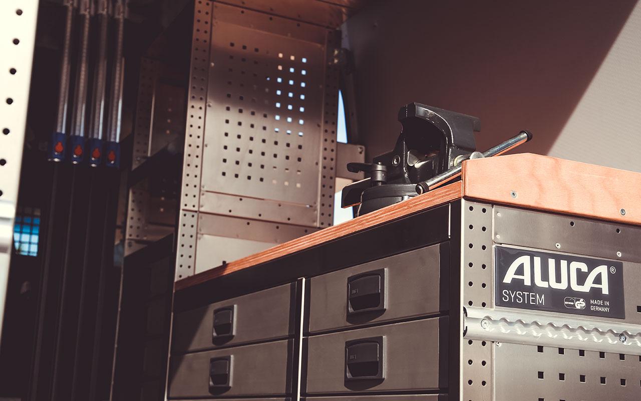 aluca in aktion mercedes benz sprinter syste aluca 2. Black Bedroom Furniture Sets. Home Design Ideas